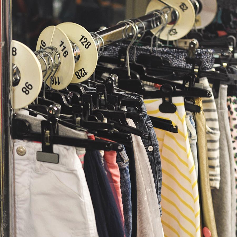 kleding kringloopwinkel OverThollig